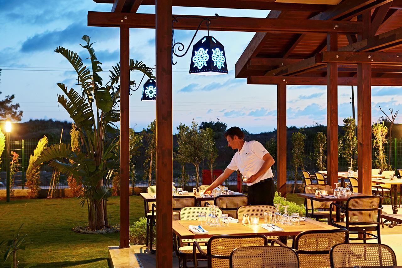 Mehmet's Kitchen byder både på lokale specialiteter og Sunwing-favoritter