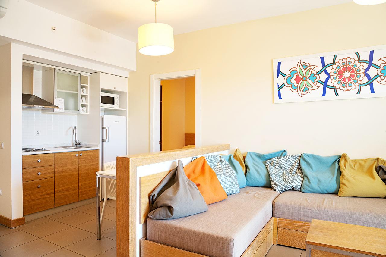 3-værelses Big Family Suite med balkon mod haven og omgivelserne