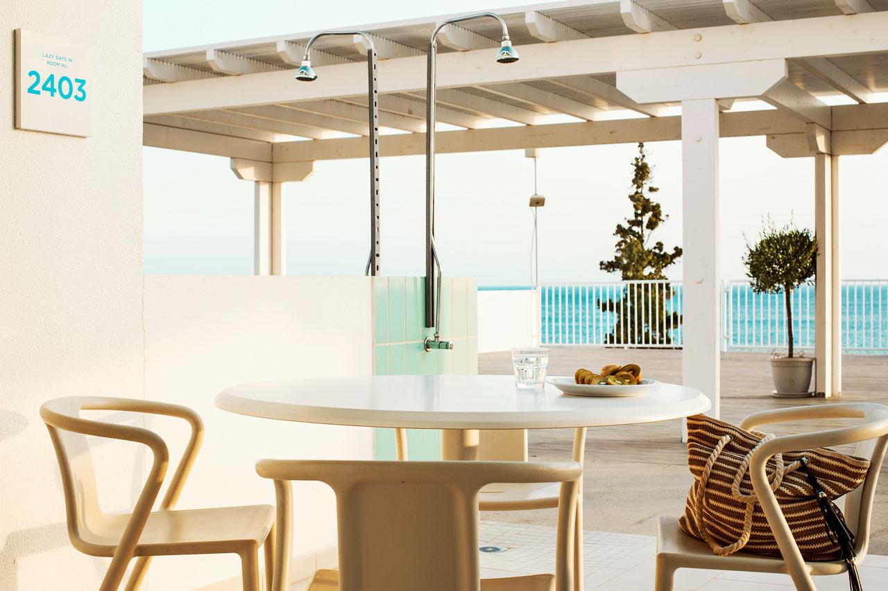 2-værelses Club House Suite, stor terrasse med havudsigt og soldæk