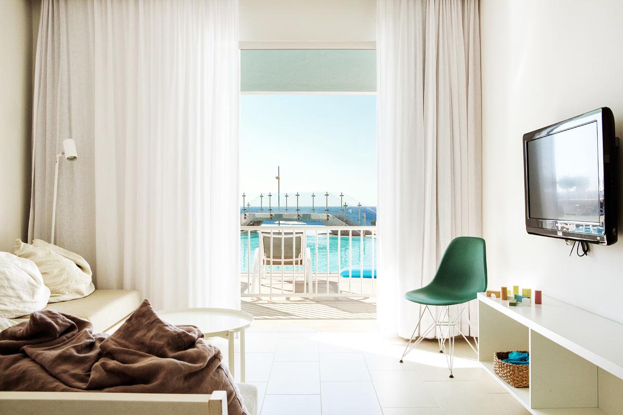 2-værelses Club Suite, terrasse med havudsigt og pooladgang