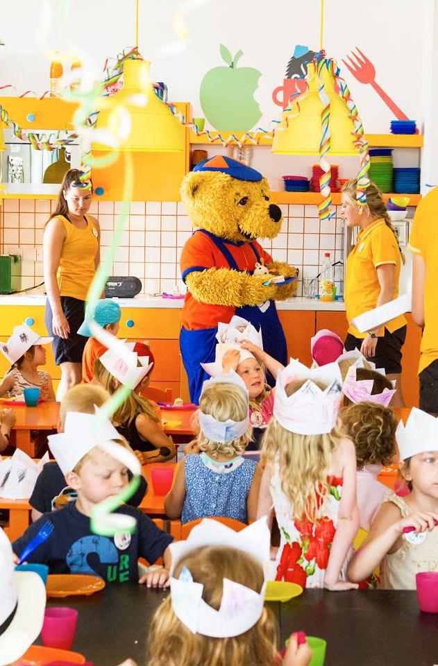 I Mini Land er alle børn velkomne til at lege, være kreative og se film eller måske høre et eventyr