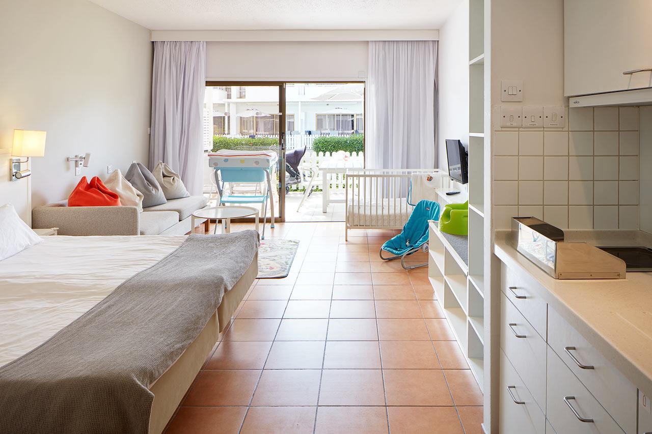 1-værelses Happy Baby-lejlghed med terrasse mod haven