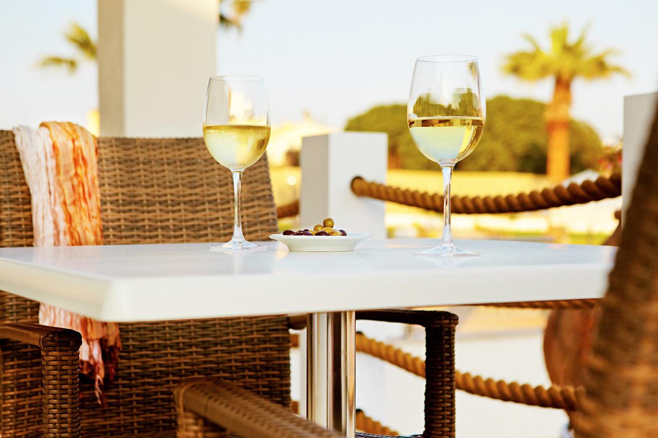 Sunprime Restaurant tilbyder vellavet mad i skønne omgivelser. Ejeren driver flere af Ayia Napas bedste restauranter.