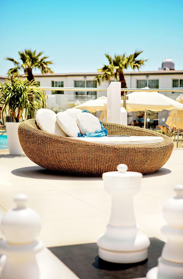 På Sunprime Ayia Napa Suites er der både tid og plads til at slappe af