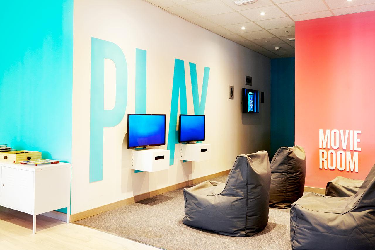 I Teen Lounge i Princesa kan du spille tv-spil og surfe på nettet