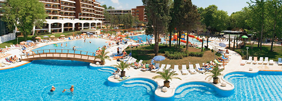 Det fælles poolområde for Flamingo og Flamingo Grand