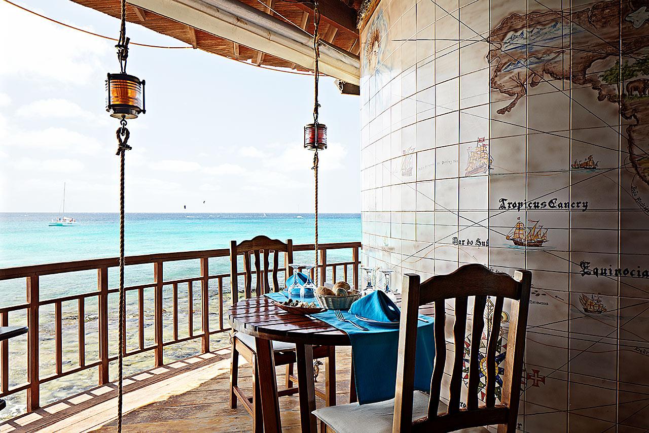 Santa Maria - Restauranten Farolin på hotel Odjo d'Agua