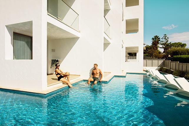 Classic Pool Suite